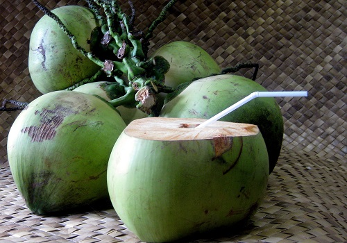 benefits-of-drinking-coconut-water-2.jpg